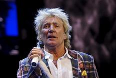 Rod Stewart performs at the Wal-Mart annual meeting in Fayetteville, Arkansas, June 5, 2015. REUTERS/Rick Wilking