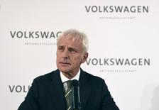 New Volkswagen CEO Matthias Mueller addresses a news conference at Volkswagen's headquarters in Wolfsburg, Germany September 25, 2015.  REUTERS/Fabian Bimmer