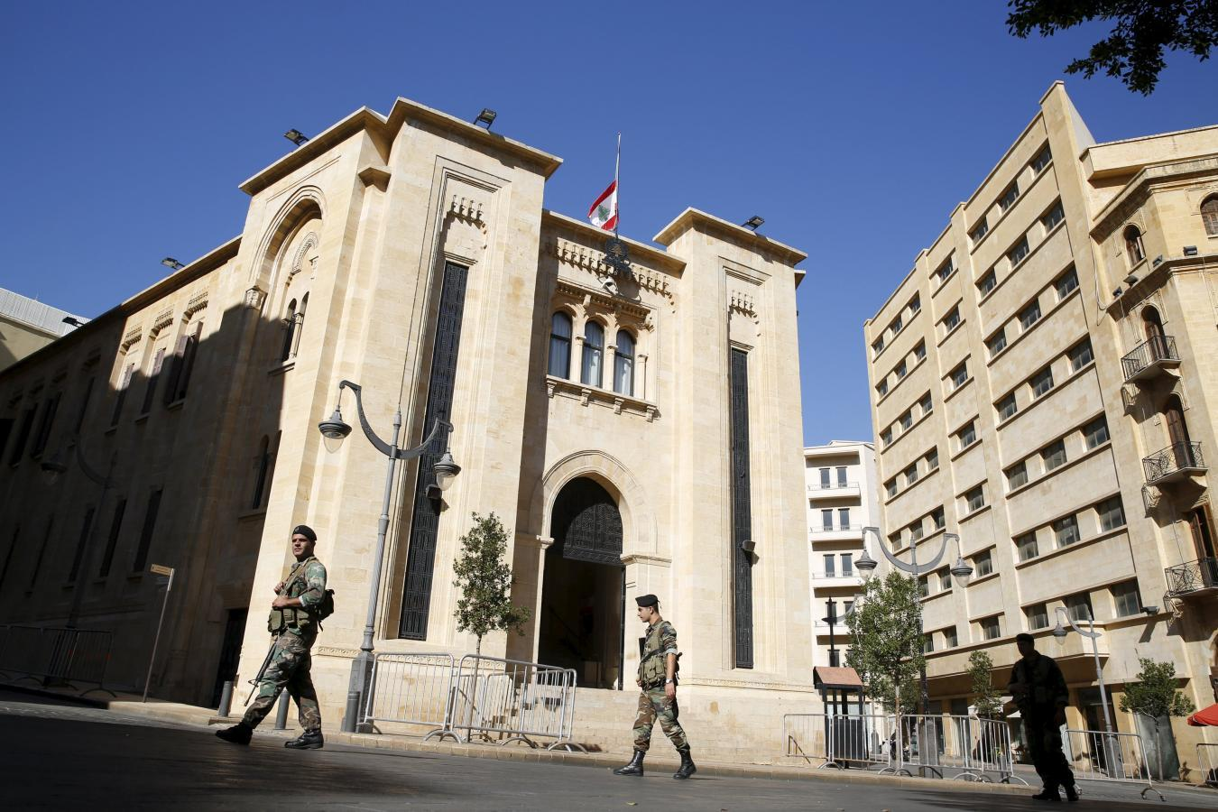 Lebanon PM holds emergency meeting as nation mourns bomb victims
