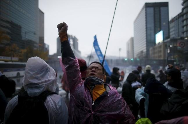 Güney Kore'de İşçi ve Köylü Mücadelesi Büyüyor