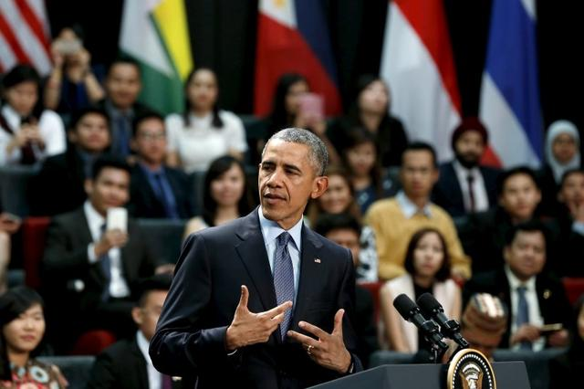 U.S. President Barack Obama participates in a town hall meeting with Young Southeast Asian Leaders Initiative (YSEALI) attendees at Taylor's University in Kuala Lumpur, Malaysia November 20, 2015, before attending the ASEAN summit meeting. REUTERS/Jonathan Ernst