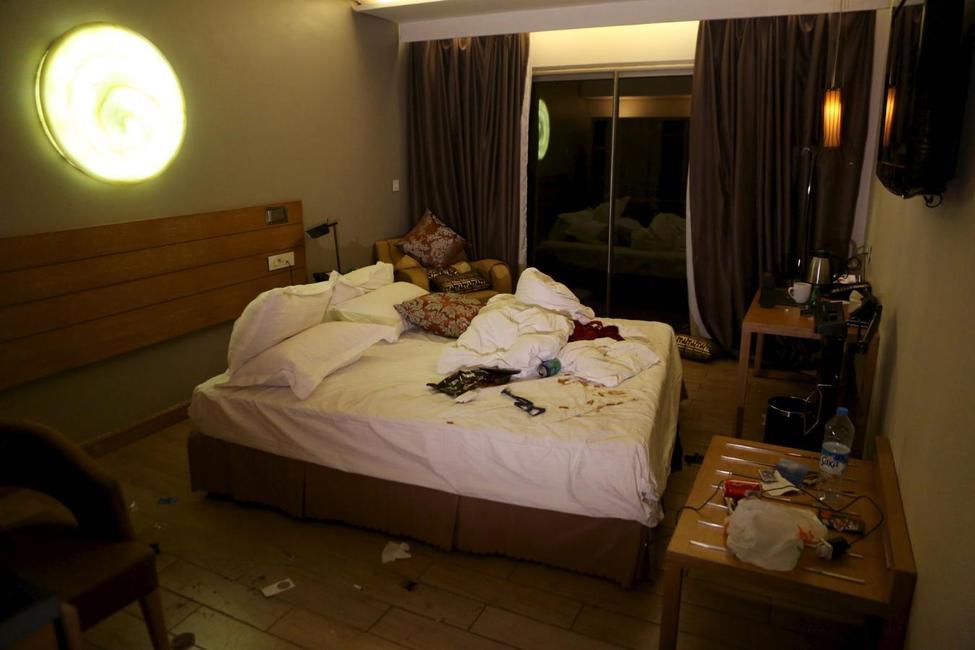 Anschlag auf das Radisson Blu Hotel in Bamako, Mali ?m=02&d=20151121&t=2&i=1096773590&w=976&fh=&fw=&ll=&pl=&sq=&r=2015-11-21T224604Z_19740_GF20000068039_RTRMADP_0_MALI-ATTACKS