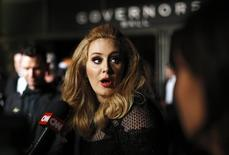 Cantora Adele em cerimônia do Oscar 24/2/2013 REUTERS/Lucas Jackson
