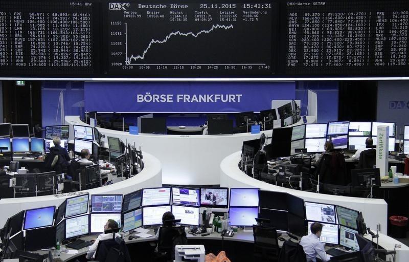أسهم أوروبا تصعد بفضل آمال في تحفيز المركزي الأوروبي وصعود انفينيون