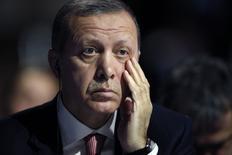 Presidente turco Erdogan participa de conferência do clima em Paris.  30/11/2015.         REUTERS/Christian Hartmann