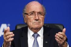 FIFA President Sepp Blatter reacts during a news conference after the Extraordinary FIFA Executive Committee Meeting at the FIFA headquarters in Zurich, Switzerland July 20, 2015. REUTERS/Arnd Wiegmann