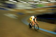 Track cycling sprinter Kevin Mansker of the U.S. trains for the London 2012 Olympics in Carson, near Los Angeles, California, April 11, 2012. REUTERS/Lucy Nicholson