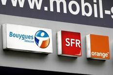"""L'Autorité de la concurrence a annoncé jeudi sanctionner le groupe Orange pour avoir freiné abusivement le développement de la concurrence sur le marché des services fixes et mobiles de la clientèle """"entreprise"""" depuis les années 2000. L'Autorité avait été saisie par Bouygues Telecom, filiale du groupe Bouygues, ainsi que par SFR, devenu Numericable-SFR. /Photo prise le 15 décembre 2015/REUTERS/Charles Platiau"""
