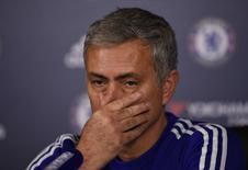 Técnico José Mourinho dá entrevista coletiva no centro de treinamento do Chelsea. 11/12/2015 REUTERS/Action Images/Tony O'Brien