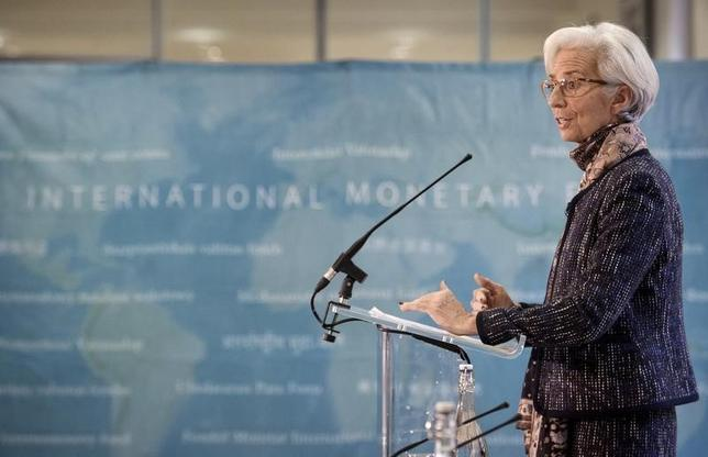 Managing Director of the International Monetary Fund Christine Lagarde speaks at a press conference at the Treasury in London, which was attended by Britain's Chancellor of the Exchequer George Osborne, December 11, 2015. REUTERS/Stefan Rousseau/Pool