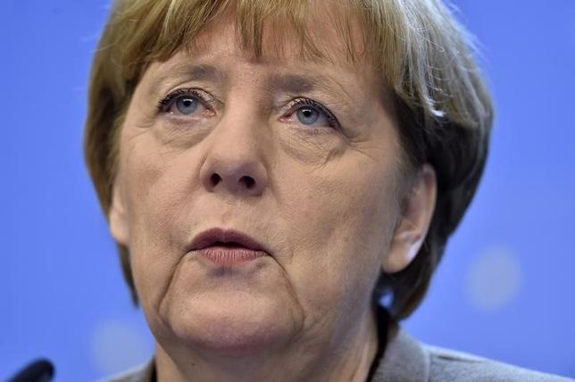 1月3日、ドイツの政局はこの10年間、メルケル首相が国政をしっかり掌握し、比較的安泰な状態が続いた。だが2016年は勢力図が塗り替わるかもしれない。写真はブリュッセルで昨年12月撮影(2016年 ロイター/Eric Vidal)