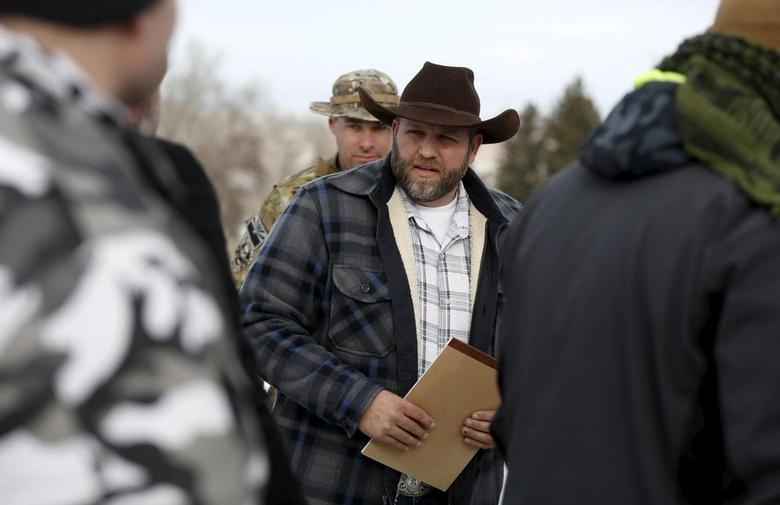 Ammon Bundy arrives to address the media at the Malheur National Wildlife Refuge near Burns, Oregon, January 4, 2016.  REUTERS/Jim Urquhart