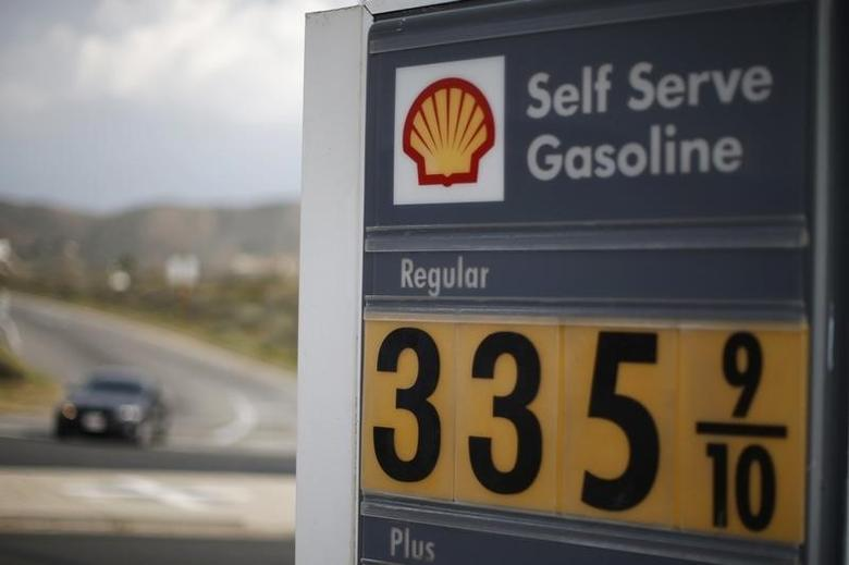 A Shell gas station is seen in Lancaster, California March 18, 2015. REUTERS/Lucy Nicholson