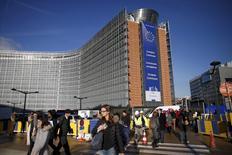 La Commission européenne a ordonné lundi au fisc belge de récupérer environ 700 millions d'euros auprès de 35 multinationales, le coup le plus sévère porté à ce jour par l'exécutif de l'Union aux arrangements fiscaux négociés entre Etats et entreprises. /Photo prise le 26 novembre 2015/REUTERS/Benoît Tessier