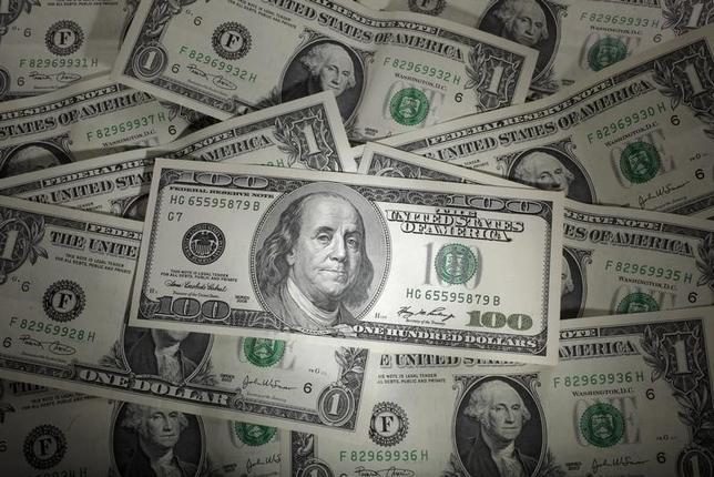 1月12日、外為市場で投機筋のポジションが2012年10月以来の円買い越しとなった。いわゆるアベノミクス相場では初だ。ワルシャワで2011年1月撮影(2016年 ロイター/Kacper Pempel)
