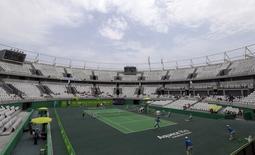 Quadra central do centro olímpico de tênis do Rio durante evento-teste em dezembro. 12/12/2015 REUTERS/Ricardo Moraes
