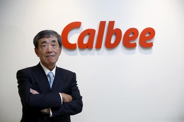 1月15日、カルビーの松本会長兼CEOは、昨年合弁を解消した中国事業について来年10月ごろには新たに始めたいと明かした(2016年 ロイター/TORU HANAI)