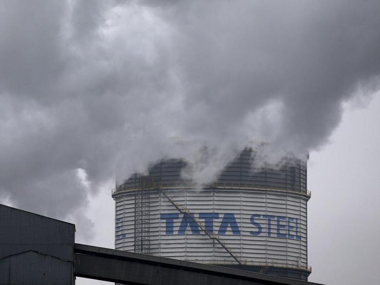 A general view shows the Tata Steel works in Scunthorpe, northern England, October 27, 2015.. REUTERS/Andrew Yates/Files