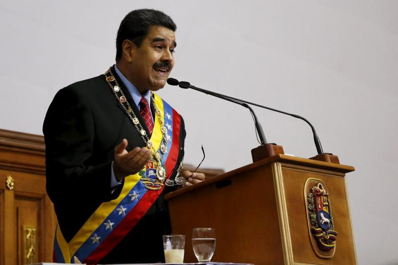 Venezuela's President Nicolas Maduro addresses lawmakers during his annual report of the state of the nation at the National Assembly in Caracas January 15, 2016. REUTERS/Carlos Garcia Rawlins
