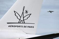 Aéroports de Paris est l'une des valeurs à suivre à la Bourse de Paris après son annonce d'une offre faite pour une part de 20% de Airports Corporation of Vietnam (ACV). /Photo d'archives/REUTERS/Charles Platiau