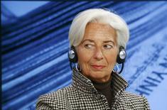 La directora gerente del Fondo Monetario Internacional, Christine Lagarde, durante una sesión en la reunión anual del Foro Económico Mundial, en Davos, Suiza. 21 de enero de 2016. La directora gerente del Fondo Monetario Internacional, Christine Lagarde, dijo el jueves dijo que China debería tener una mejor comunicación con su mercado financiero. REUTERS/Ruben Sprich
