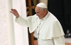 Papa Francisco durante missa no Vaticano.   21/01/2016   REUTERS/Tony Gentile