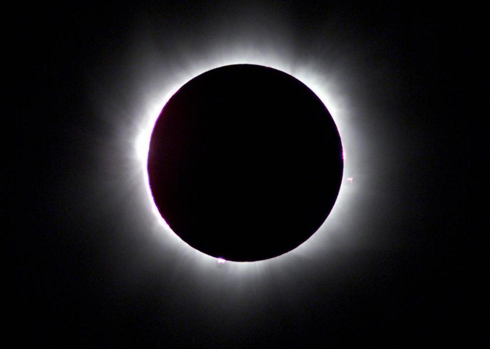Die Erde, in der wir leben und der Raum, der die Welt ist - Seite 22 ?m=02&d=20160122&t=2&i=1111620260&w=976&fh=&fw=&ll=&pl=&sq=&r=2016-01-22T162008Z_21087_RP1DRILTCBAA_RTRMADP_0_ECLIPSE-HUNGARY