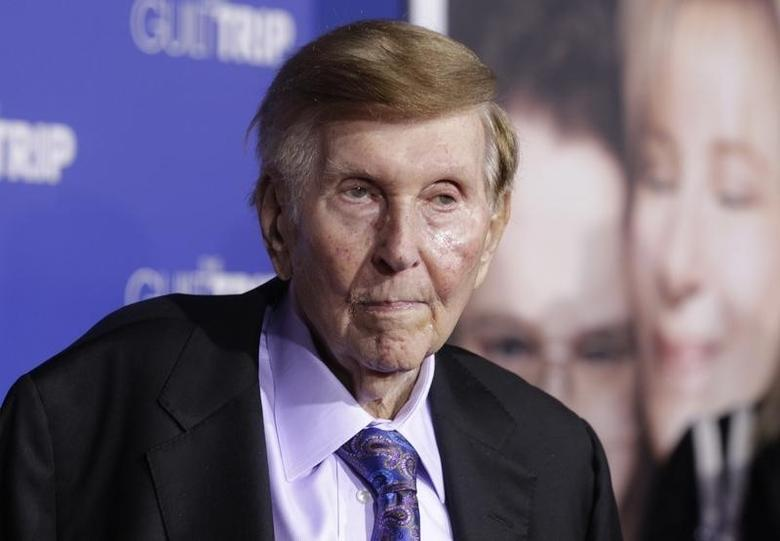 Sumner Redstone, executive chairman of CBS Corp. and Viacom, arrives at the premiere of ''The Guilt Trip'' starring Barbra Streisand and Seth Rogen in Los Angeles December 11, 2012.REUTERS/Fred Prouser