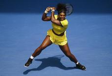 Serena Williams durante partida contra Maria Sharapova no Aberto da Austrália, em Melbourne.     26/01/2016  REUTERS/Jason Reed