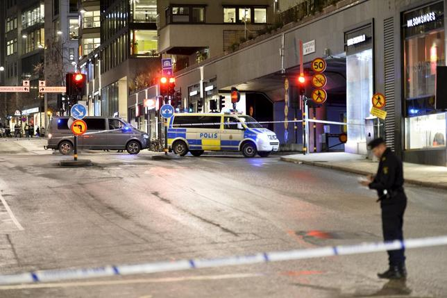Police has roped of a large area near the shopping mall 'Moodgallerian' and a car tunnel, after an explosion, in central Stockholm, Sweden, January 26, 2016.REUTERS/Marcus Ericsson/ TT News Agency