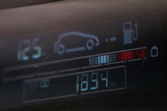 1月27日、自動車メーカー各社は、中国のグリーンカー市場の急成長を予想するが、環境に優しいはずの電気自動車が逆に、大気汚染をさらに悪化させるとの懸念が広がっている。写真は深セン市で2011年6月撮影(2016年 ロイター/Tyrone Siu)