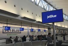 Área de check-in da JetBlue em aeroporto de Nova York.    14/01/2016   REUTERS/Shannon Stapleton