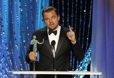 Leonardo Dicaprio recebe prêmio do sindicato em Los Angeles. 30/1/2016.  REUTERS/Lucy Nicholson