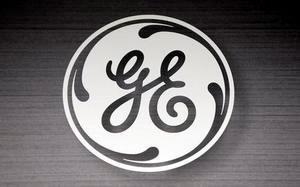 The General Electric logo is seen in a Sears store in Schaumburg, Illinois, in this September 8, 2014 file photo. REUTERS/Jim Young/Files