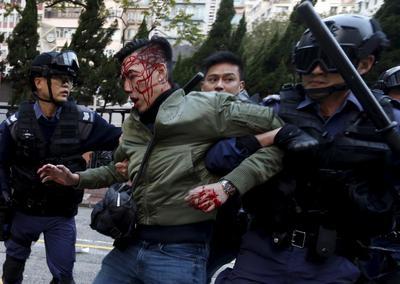 Crackdown on Hong Kong vendors