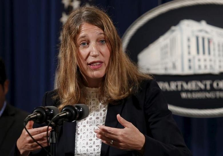 Health and Human Services (HHS) Secretary Sylvia Mathews Burwell speaks at a news conference in Washington June 18, 2015.   REUTERS/Yuri Gripas