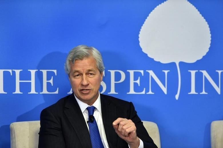 JPMorgan Chase Chairman and CEO Jamie Dimon speaks during a discussion at the Aspen Institute in Washington in this December 12, 2013 file photo. REUTERS/Mike Theiler