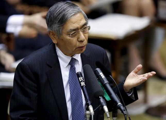 2月24日、黒田東彦日銀総裁は午前の衆院財務金融委員会で、マイナス金利政策の導入以降も金融市場の変動が続いているとし、市場変動によって日本の経済・物価に悪影響があれば、ちゅうちょなく政策対応を検討すると語った。写真は都内で1月撮影(2016年 ロイター/Toru Hanai)