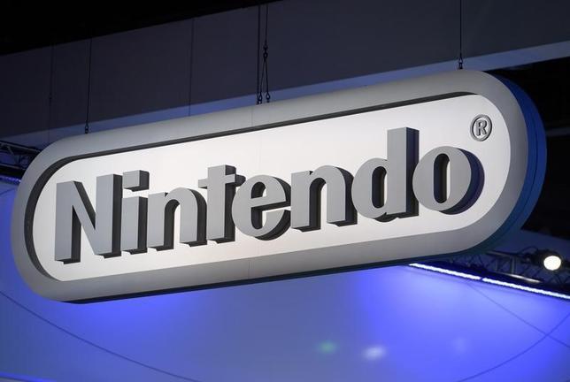 2月26日、任天堂は、携帯型ゲーム機「3DS」のソフトとハードの今期販売計画を下方修正した。写真はロサンゼルスで2014年6月撮影(2016年 ロイター/Kevork Djansezian)