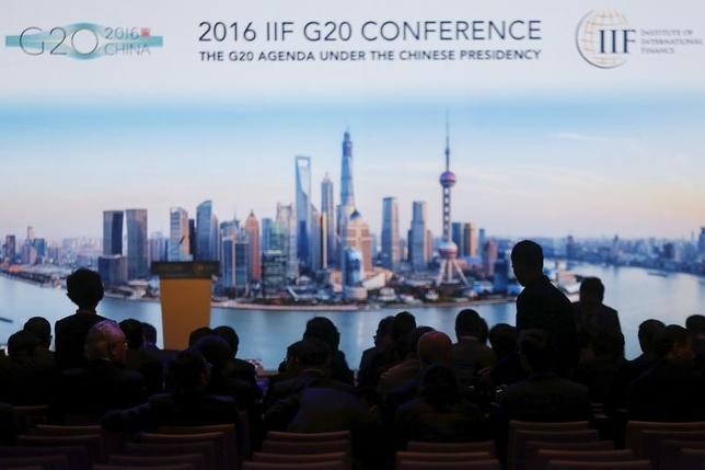 2月28日、上海で開かれていた20カ国・地域(G20)財務相・中央銀行総裁会議は予想通り、大胆な政策を打ち出すことで合意できなかった。写真は会場の様子。上海で25日撮影(2016年 ロイター/Aly Song)