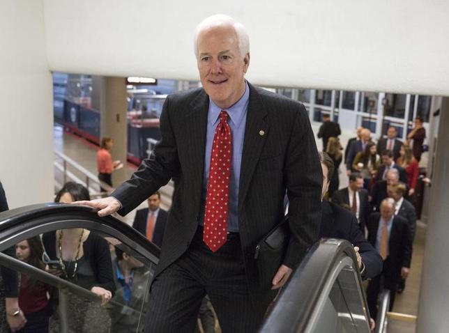 2月29日、米上院共和党ナンバー2のジョン・コーニン院内幹事(テキサス州)は、トランプ氏が大統領選の共和党指名を獲得した場合、他の選挙で共和党候補の「弊害」となる可能性があると懸念を示した。昨年1月ワシントンDCで撮影(2016年 ロイター/Joshua Roberts)