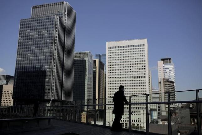 3月1日、日本取引所グループは1日、2月のJ─REITの売買代金が1兆4294億円となったと発表した。写真は都内で2月撮影(2016年 ロイター/Thomas Peter)