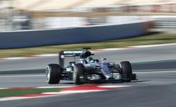 Formula One - Barcelona tests - Barcelona-Catalunya racetrack, Montmelo, Barcelona, Spain - 1/3/16.Mercedes F1 driver Nico Rosberg takes a curve. REUTERS/Albert Gea