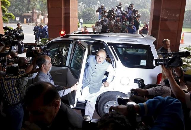 India's Finance Minister Arun Jaitley arrives at the parliament to present the federal budget for the 2016/17 fiscal year, in New Delhi, India, February 29, 2016. REUTERS/Adnan Abidi
