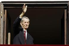 Romania's former King Michael waves during a ceremony celebrating both his 92nd birthday, which fell on October 25, and his name day at Elisabeta Palace in Bucharest, November 8, 2013.  REUTERS/Bogdan Cristel