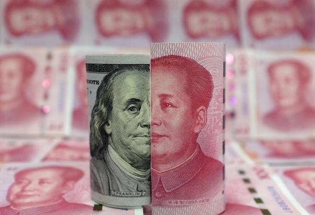 3月3日、中国人民銀行(中央銀行)の易綱副総裁は3日、穏健な金融政策を継続する方針を明らかにした。写真は北京で1月撮影(2016年 ロイター/Jason Lee)