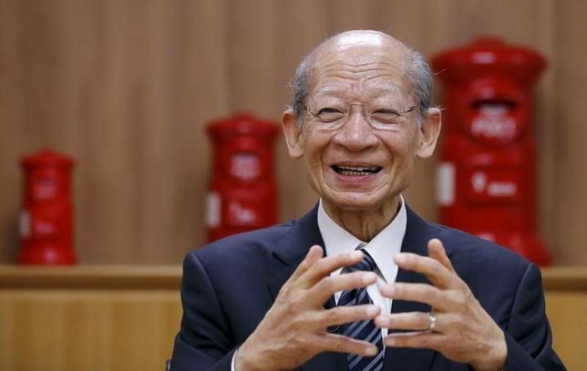 3月4日、日本郵政の西室泰三社長(写真)が今春にも退任する見通しとなった。複数の関係筋が明らかにした。後任候補として内部昇格のほか民間経営者を起用する案も浮上している。2015年11月撮影(2016年 ロイタ/Toru Hanai)