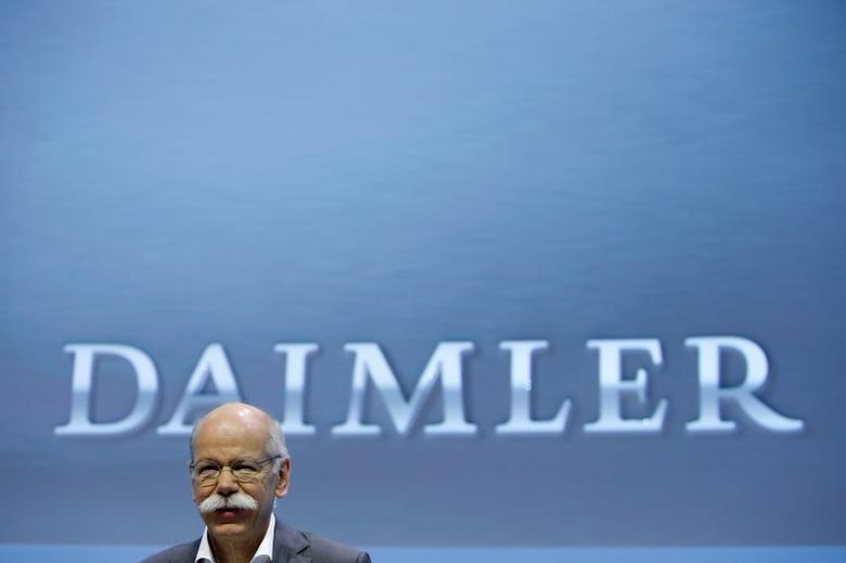 Daimler AG Chief Executive Dieter Zetsche attends the company's annual news conference in Stuttgart, Germany, February 4, 2016. REUTERS/Michaela Rehle