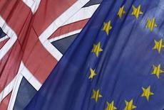 Selon le ministre allemand des Finances Wolfgang Schäuble, une sortie de la Grande-Bretagne de l'Union européenne aurait des conséquences désastreuses pour l'économie britannique, l'économie européenne et même mondiale. /Photo d'archives/REUTERS/Toby Melville