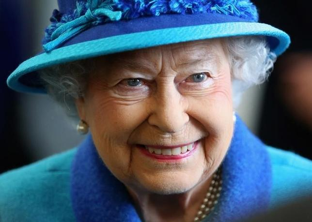 Britain's Queen Elizabeth visits the National Memorial to the Few in Folkestone, southern England March 26, 2015 in Folkestone, England.  REUTERS/Chris Jackson/Pool